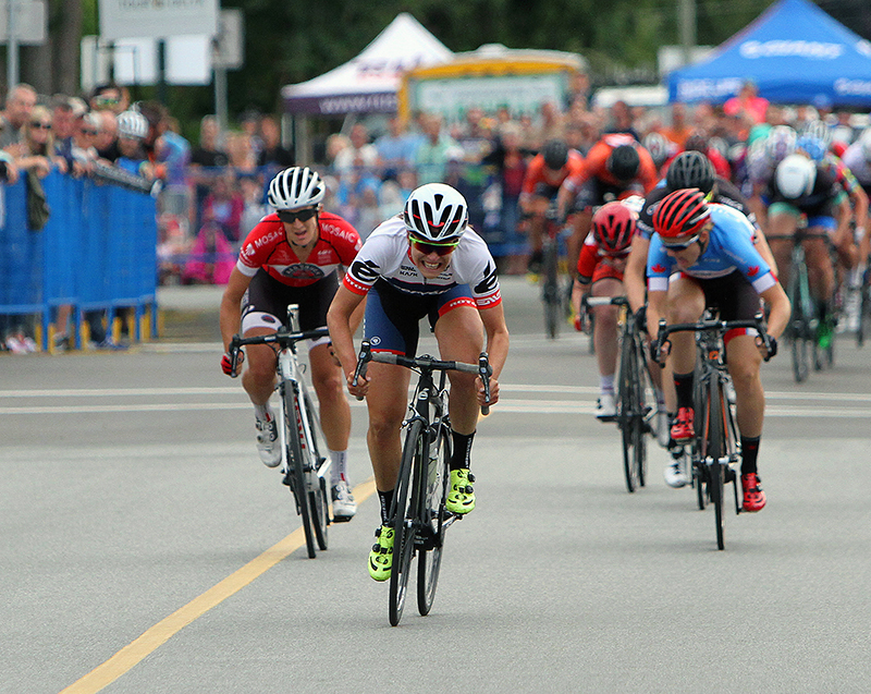 Women's sprint finish.