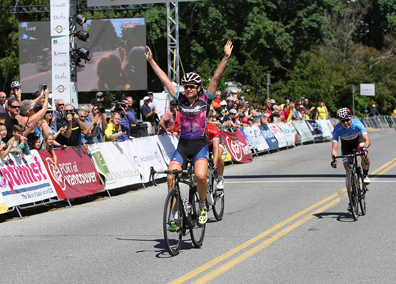 Joelle NUMAINVILLE (Cervelo Bigla Pro Cycling Team) takes her third straight stage at the Tour de Delta, ahead of Sara BERGEN (Trek Red Truck P/b Mosaic Homes) and Alison JACKSON (Team Canada/Twenty16 RideBiker).
